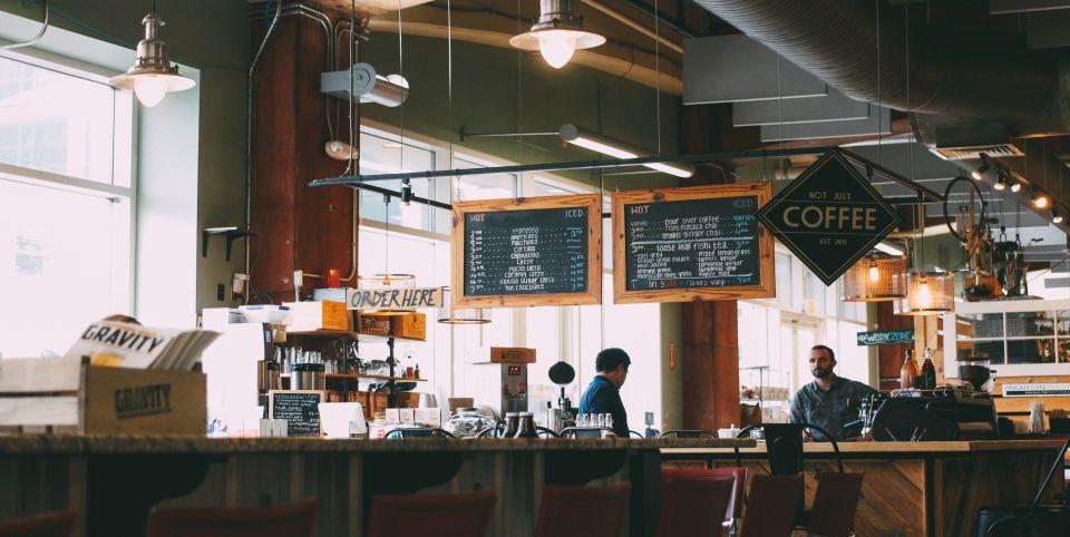 Innenbereich eines Cafés