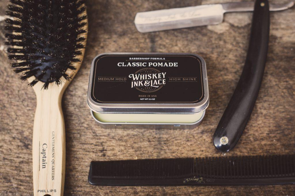 Kamm, Haarbürste oder Pflegeprodukte als Präsent zur Kundenbindung