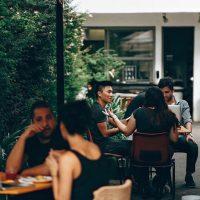 Außenbereich eines Restaurants