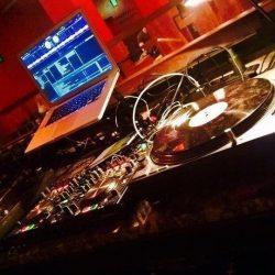 DJ Pult2